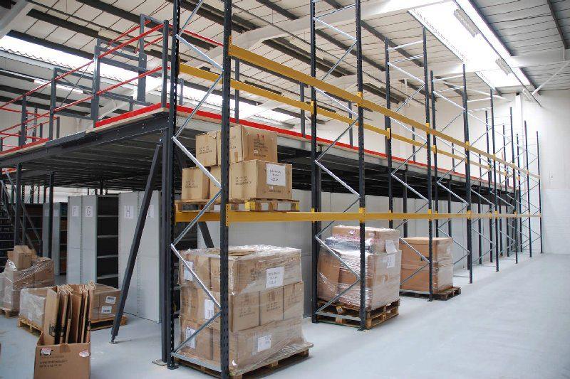 Rack supported mezzanine floors