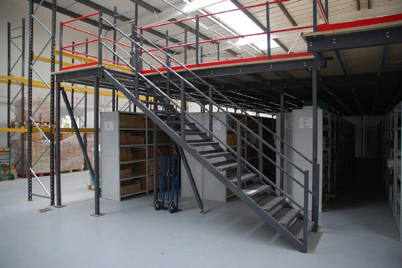 Mezzanine Floors Stairway for a single-tier