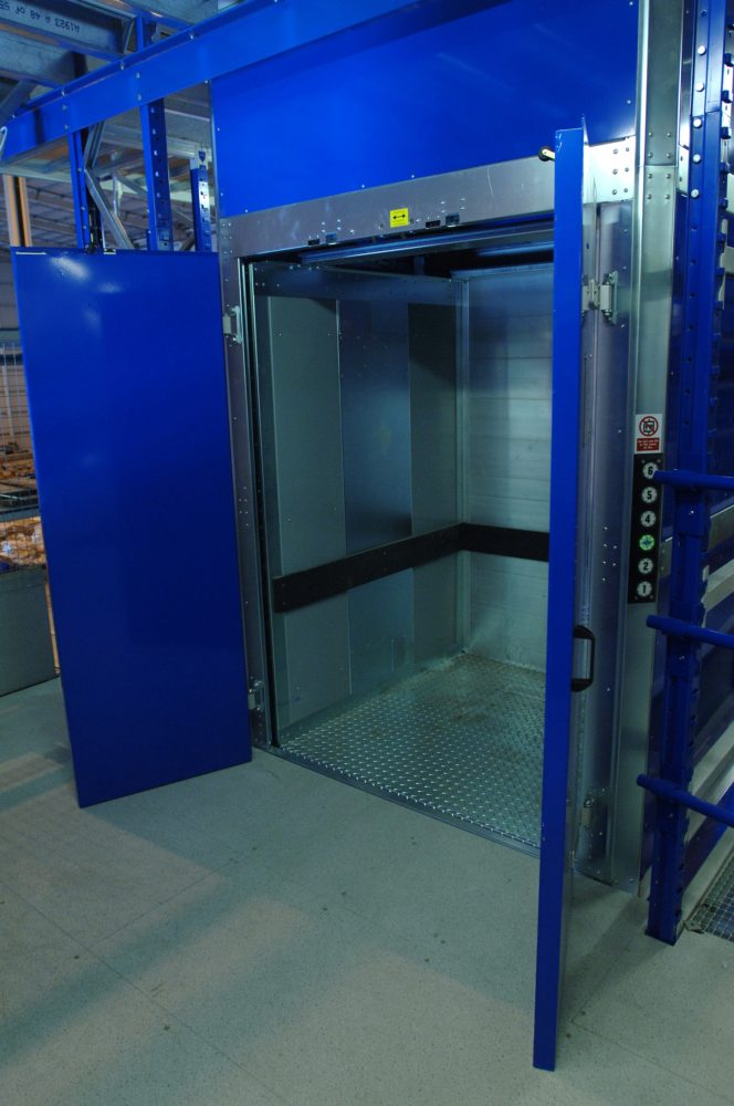 An effective solution to handling loads of up to 500 Kg between the floors
