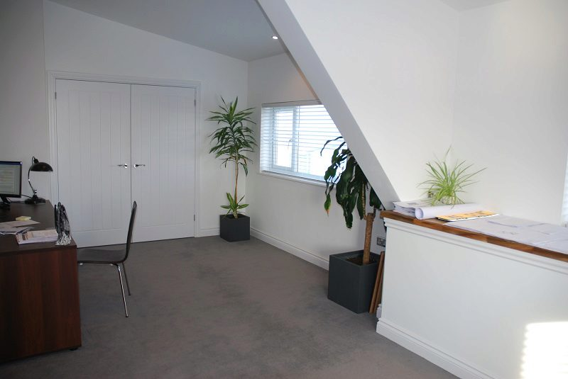 An office mezzanine floor makes the most of the existing space with the current dimensions of your bulding